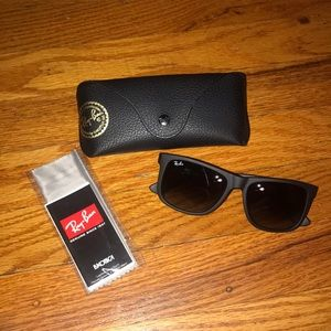 Brand new Ray Ban Justin Classic